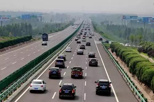 青兰高速邯郸段这个口白天拥堵严重,小车务必绕行