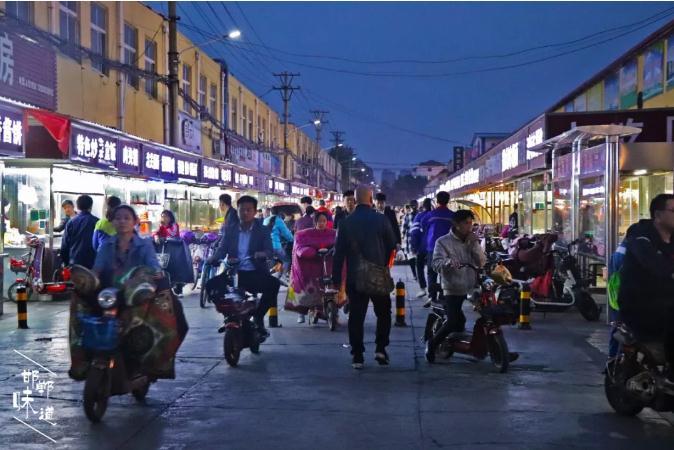 @邯郸人,复兴商贸城那些高人气小吃,你吃过几种?