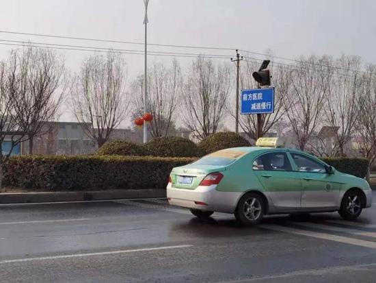 邯鄲交巡多措并舉 緩解醫院門前交通擁堵