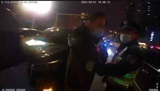 男子驾车发生追尾事故竟是醉驾惹的祸