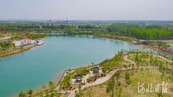 "河北邯鄲:舊坑塘""變身""大公園"